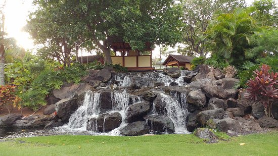Fairmont Orchid, Hawaii: Beautifully landscaped grounds