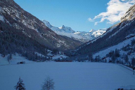Täsch, Sveits: Exterior