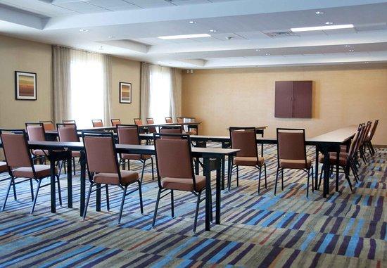 Urbandale, IA : Meeting Room - U-Shape Setup