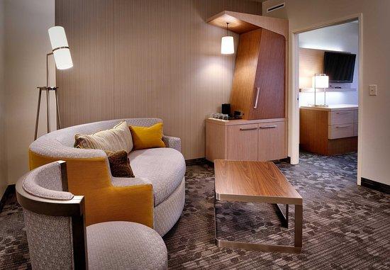 Lehi, UT: One-Bedroom Queen/Queen Suite Living Area