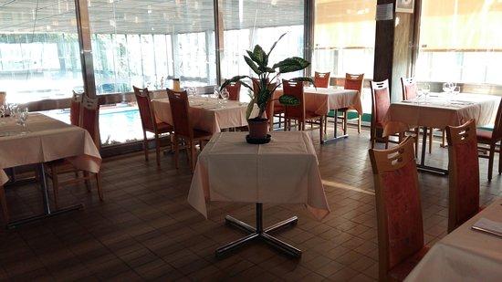 Restaurant de la piscine de mon repos lausanne for Restaurant piscine