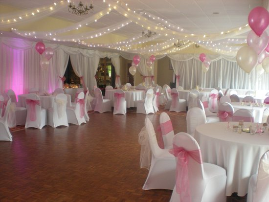Wotton-under-Edge, UK: Function room with large dance floor.