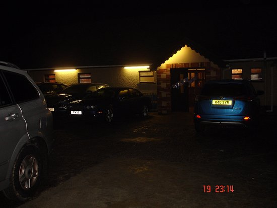 Newtownstewart, UK: Rear Entrance and car park.
