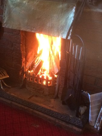 The Load of Hay: Gorgeous open fire !!!