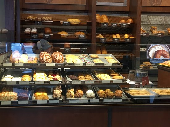 อีสต์ฮันโนเวอร์, นิวเจอร์ซีย์: Panera Bread - bread counter & display