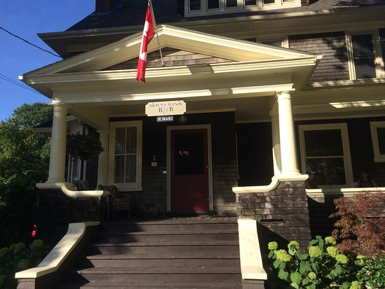 Brown's Manor Bed and Breakfast: Our Home away from Home
