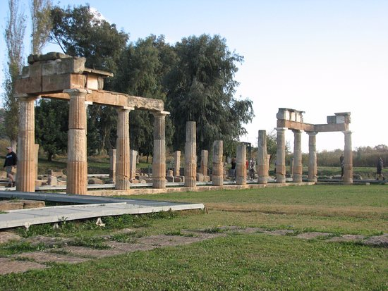 Враврона, Греция: Temple of Artemis Brauron on the site