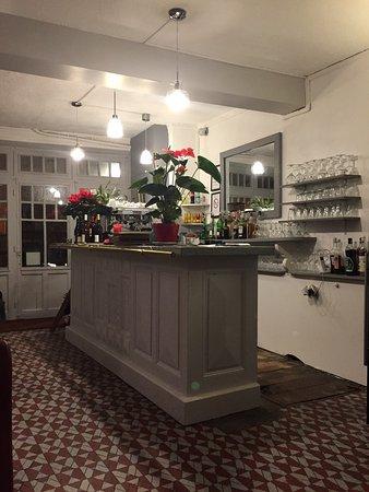 Un Bar Bien Sympathique Picture Of La Table De L Epaule