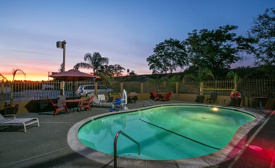 Stockton, CA: Outdoor Pool