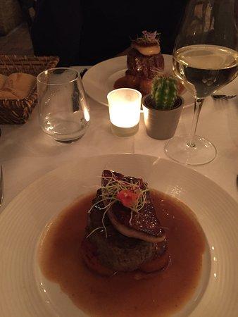 Lavault: Filet de Boeuf façon Rossini, Pommes de terre Fondante, Foie gras Poêlé et jus infusé à la Truff