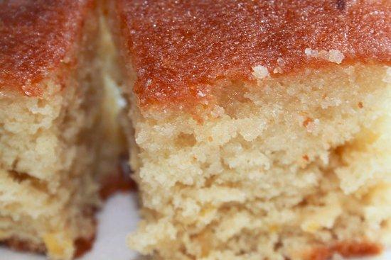 Grimsby, UK: LEMON DRIZZLE CAKE