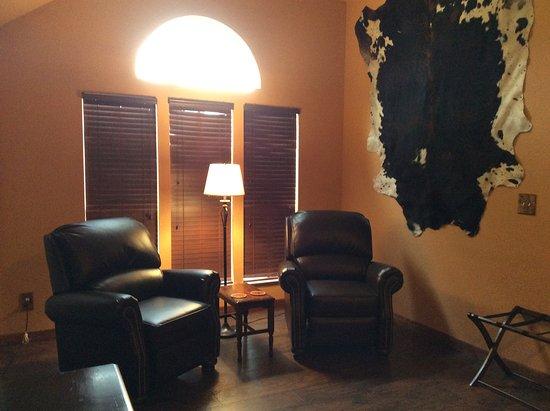 Granbury, TX: The Duke Cottage