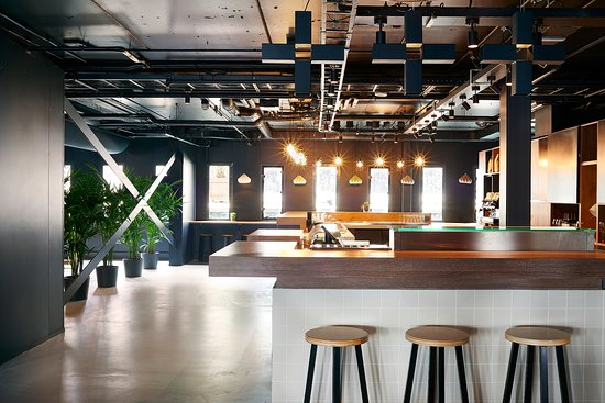 https://media-cdn.tripadvisor.com/media/photo-s/0d/c7/84/c2/the-living-room-bar-area.jpg