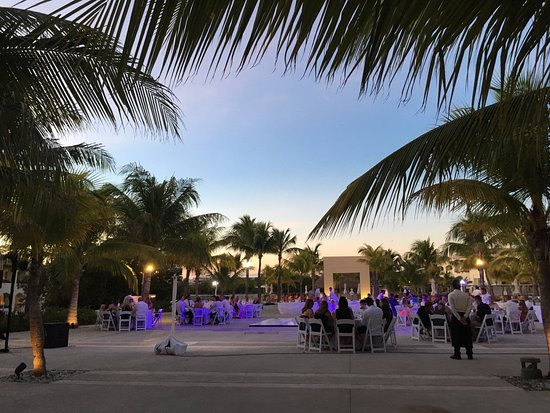 One Of Many Wedding Reception Areas At The Grand Picture Of Moon Palace Cancun Tripadvisor