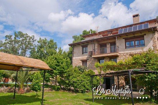 Valverde del Fresno, Spagna: Los jardines de la casa