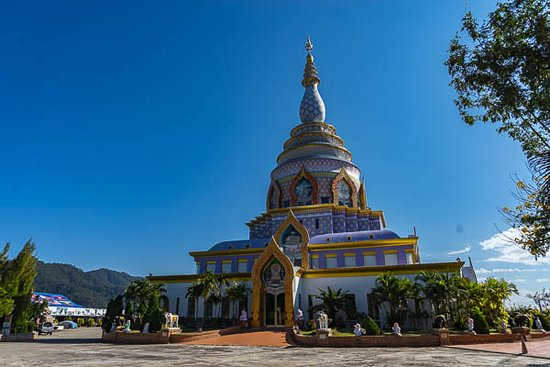 Thaton, Tailandia: Crystal pagoda on the top of the hill