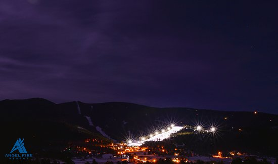 The Lodge at Angel Fire Resort: View of Night Skiing