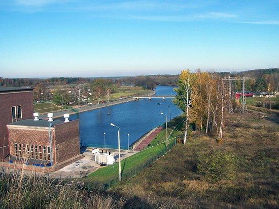 Pensjonat Dychów: zapora w pobliżu pensjonatu