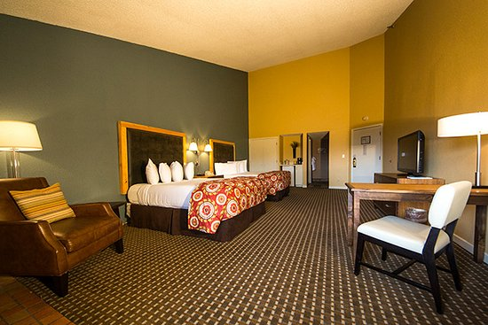 The Lodge at Angel Fire Resort: Alpine Wing - two queen beds
