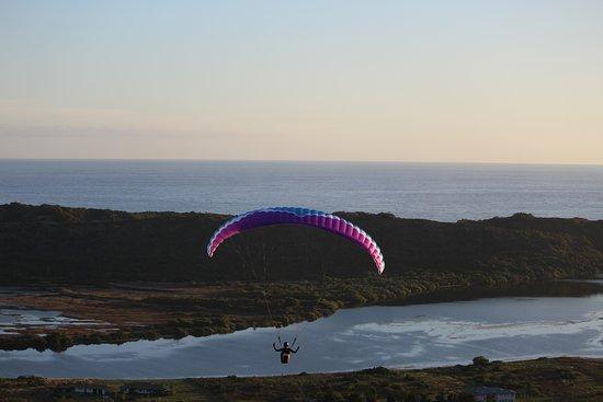 Уилдернесс, Южная Африка: Student paragliding flight Sedgefield