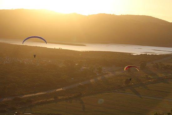 Wilderness, Sudáfrica: Sunset paragliding in Sedgefield