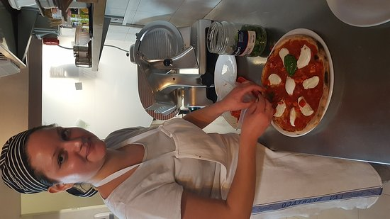 Empoli, Italien: Pizzanbocca. Bufalina e..............