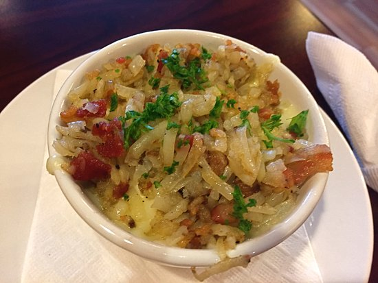 Grosse Pointe Woods, มิชิแกน: Tasty hash brown potatoes with cheese