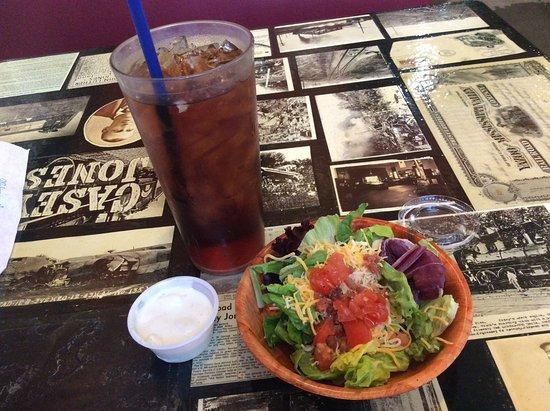 Winona, Mississippi: Track Restaurant