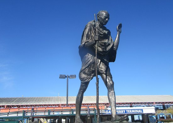 Mohandas K. Gandhi (Gandhi Statue)