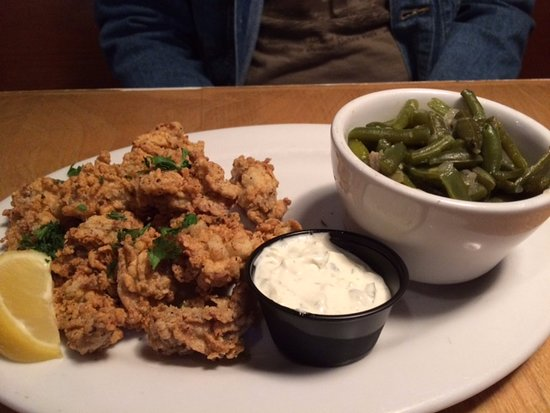 The Half Shell: Fried oysters with green beans.