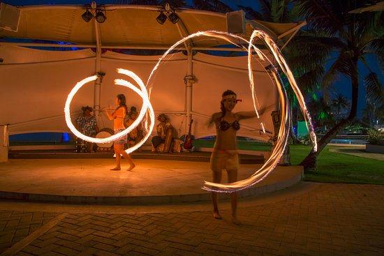 Fiesta Resort Guam: Fiesta Beachside BBQ & Cultural Show-Fire dance