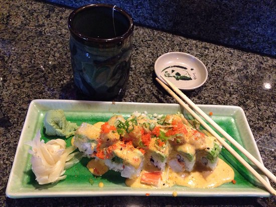 Sherwood, OR: Fuji's Special Roll