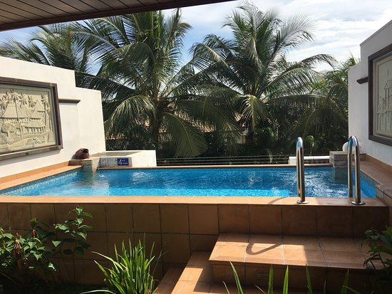 Sky pool villa bed picture of grand lexis port dickson for Garden pool villa grand lexis blog