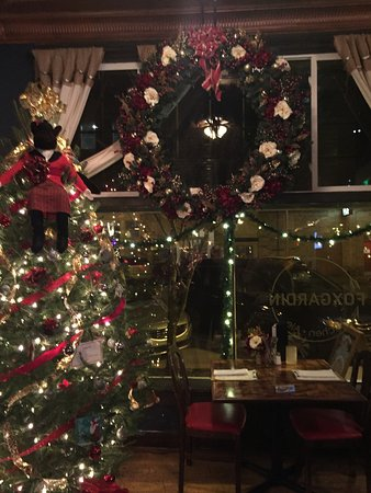 Fortville, IN: Nicely decorated for Holidays