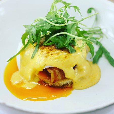 ปากน้ำปราณ, ไทย: Egg Benedict  Breakfast Start 8.00 am.