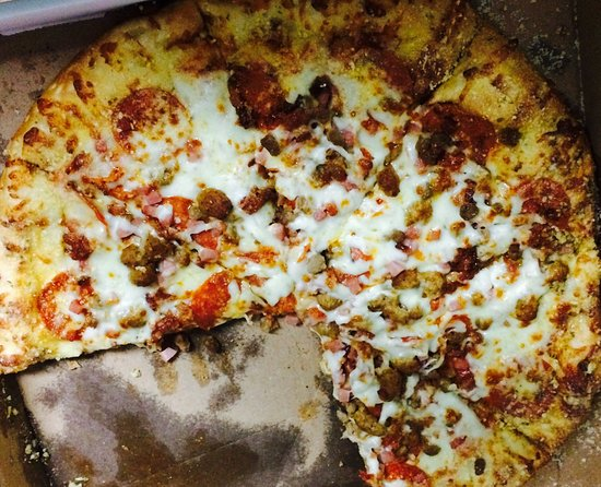 Grand Prairie, TX: Great Crust. The pizza was delicious. We ordered both supreme and meat lovers with garlic crust.