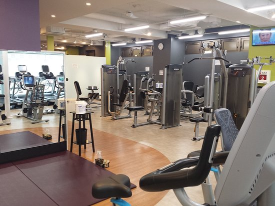 Adachi, ญี่ปุ่น: The gym downstairs.