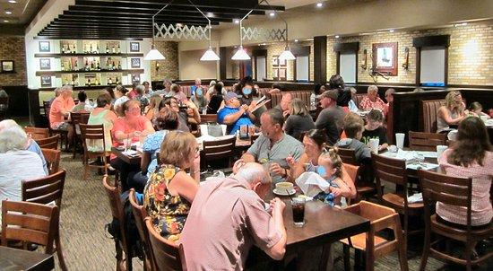 Carrabba's Italian Grill: Dining Room