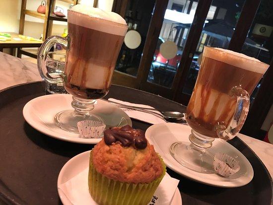 Lomas de Zamora, Argentina: Establecimiento de Cafe