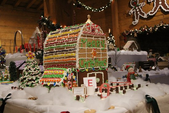 Council Bluffs, Айова: ginger bread display