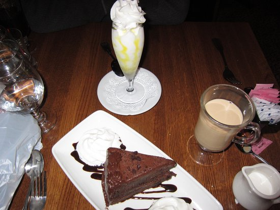 Hubertus, WI: Limoncello Parfait and Dark Chocolate Cake! Yum!