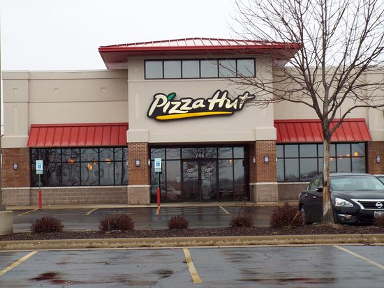 Belvidere, IL : The front and entrance of Pizza Hut.