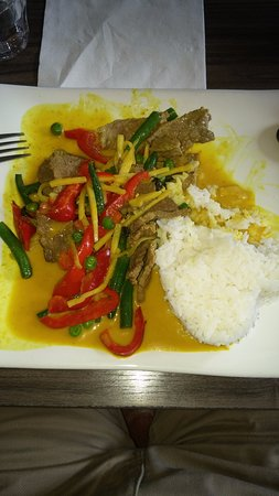 Windsor, Australia: Green Curry Beef (sorry, I tucked in before I remembered to take the pic)