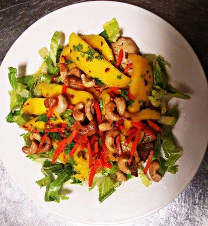 Kent, WA: Crispy Chicken Mango Salad
