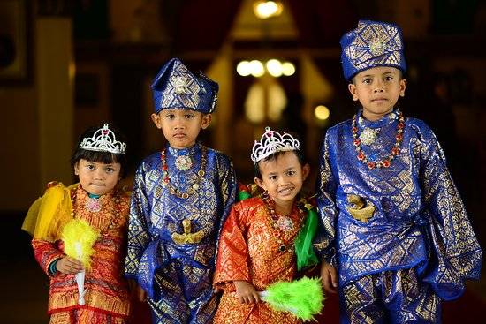 Medan - Medan's kids wear traditional costume