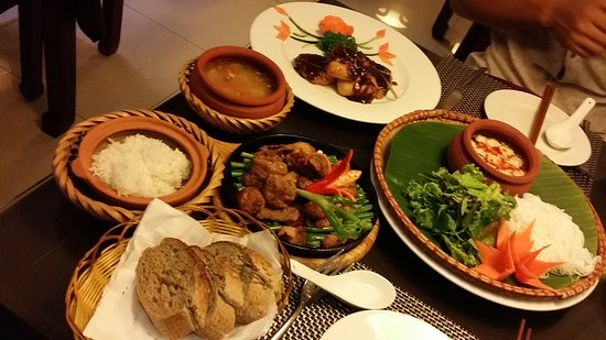 Essence Hanoi Hotel & Spa: 20161123_191618_large.jpg