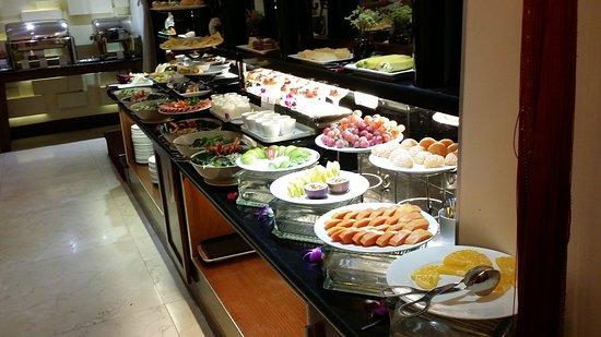 Essence Hanoi Hotel & Spa: 20161124_075943_large.jpg