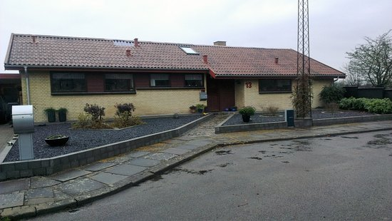 Hjoerring, Denmark: This is a private home, we rent rooms per night. Situated in a very quite area.