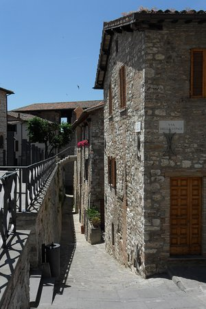 Gubbio, Itália: da viuzze romantiche a...