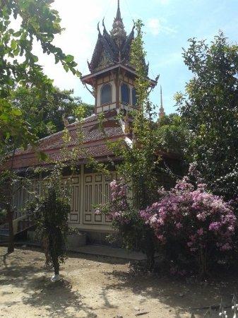 Wat Bussayabanpot: 20161202_130545_large.jpg